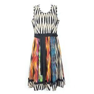 Klozlyne Multi Color Dress Size Medium